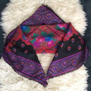 Vintage boho hippie paisley floral fringe scarf